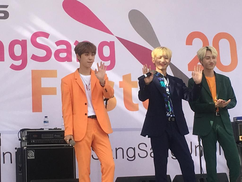 Hibur Mahasiswa UNJ, Boyband K-Pop M.O.N.T: Mereka Lucu-lucu!