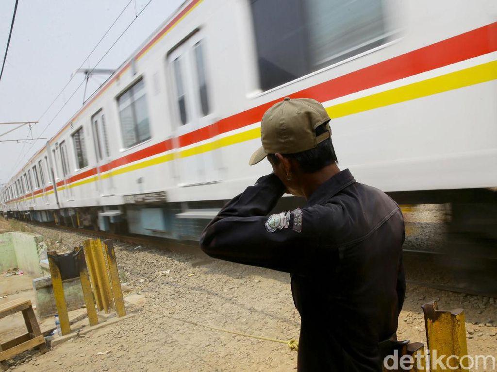 Evaluasi Pintu Perlintasan Kereta Tidak Resmi di Depok