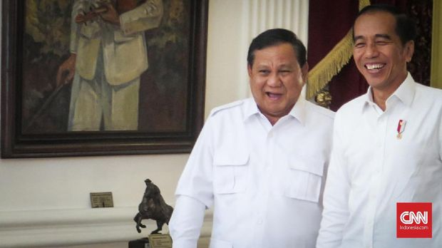 Senyum Merekah Akhiri Pertemuan Jokowi dan Prabowo di Istana