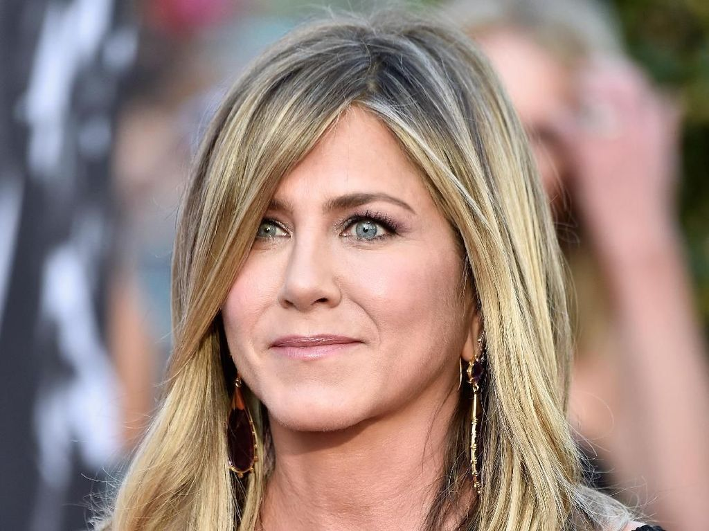 Digelar Virtual, Ini Penampilan Para Selebriti di Emmy Awards 2020