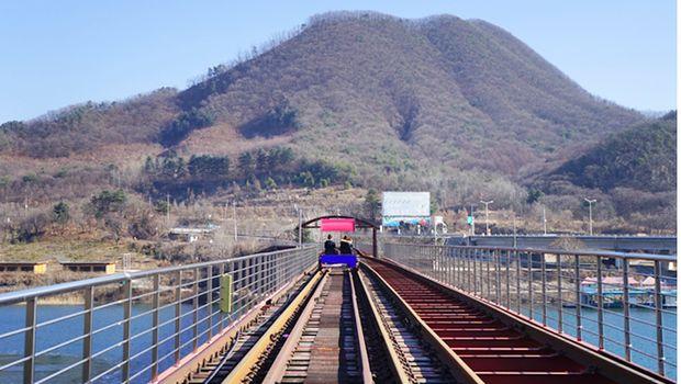 Taman rel kereta di Gyeonggi