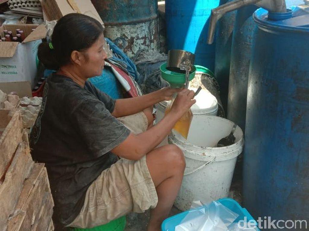 Pedagang Lamongan Sambut Gembira Pembatalan Minyak Goreng Curah
