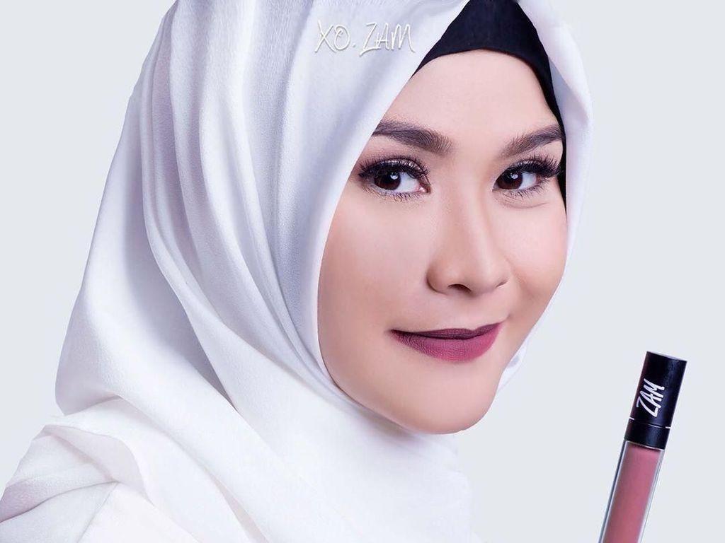 15 Merek Lipstik Lokal Buatan Artis, Harga Mulai Rp 20 Ribuan (Bag. 2)