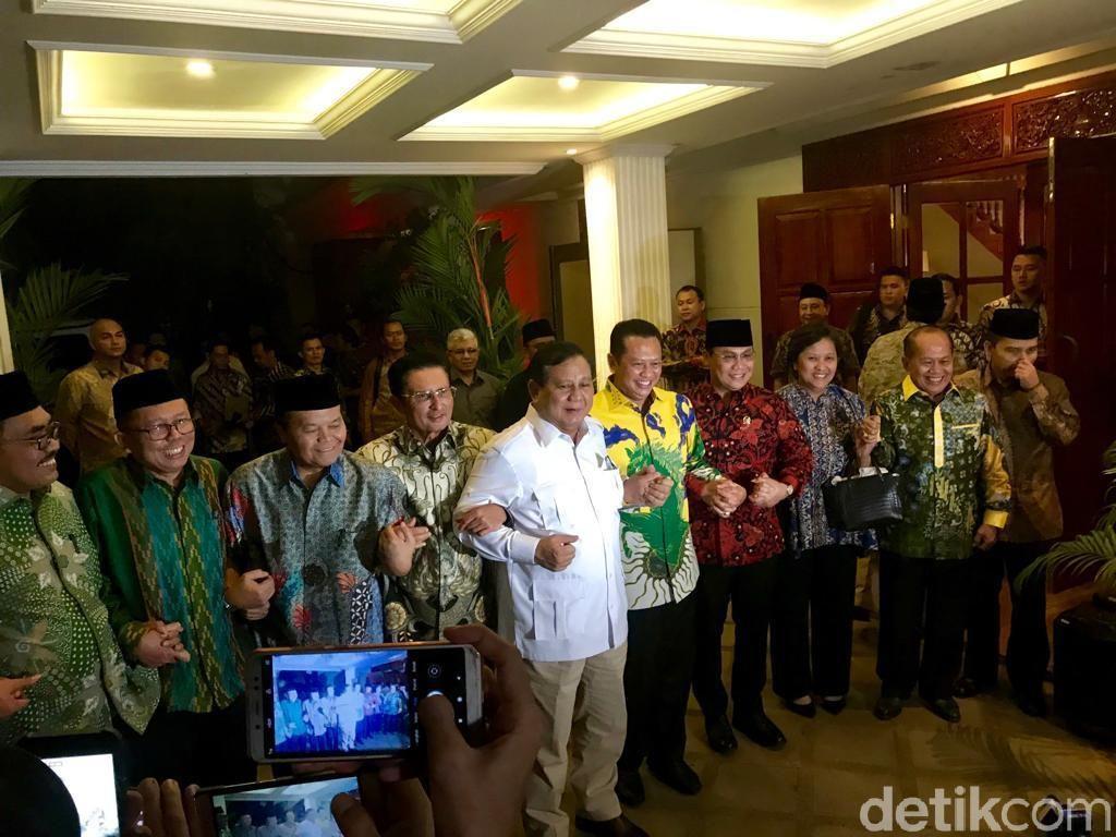 Pujian Ketua MPR untuk Prabowo yang Bersedia Hadiri Pelantikan Jokowi