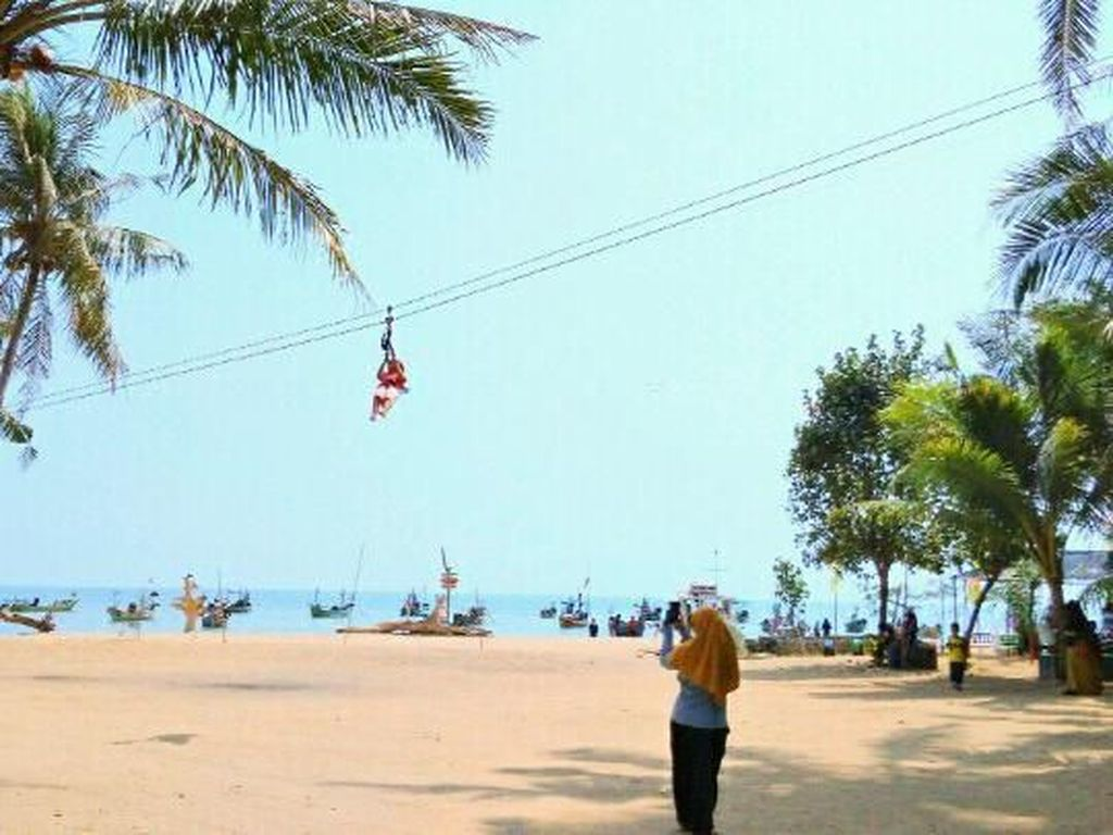 Kabupaten Tuban Punya Pantai Secantik Ini, Tahu Namanya?