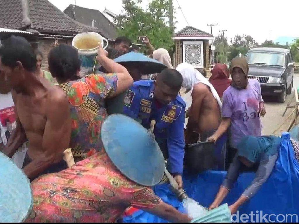 125 Desa di 17 Kecamatan Lamongan Krisis Air Bersih