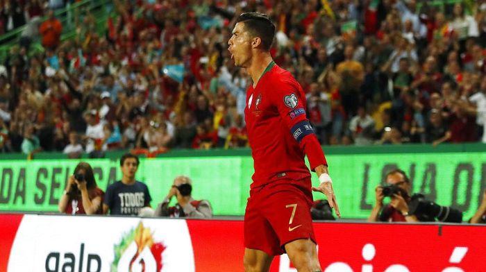 Cristiano Ronaldo akan dijadikan nama stadion Sporting CP? Foto: Armando Franca / AP Photo
