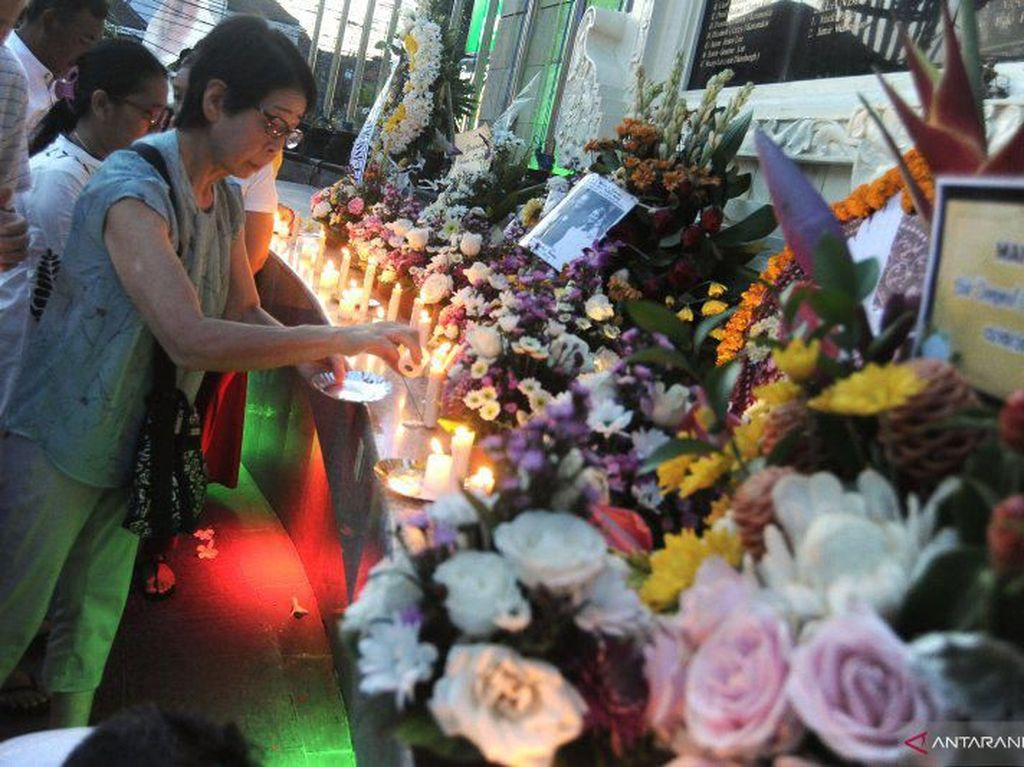 Haru Selimuti Peringatan 17 Tahun Tragedi Bom Bali I