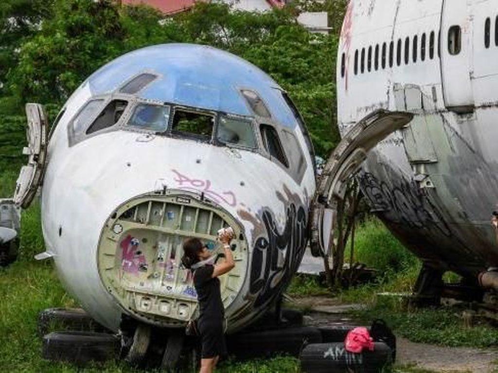 Foto: Potret Bangkai Pesawat yang Jadi Tempat Wisata