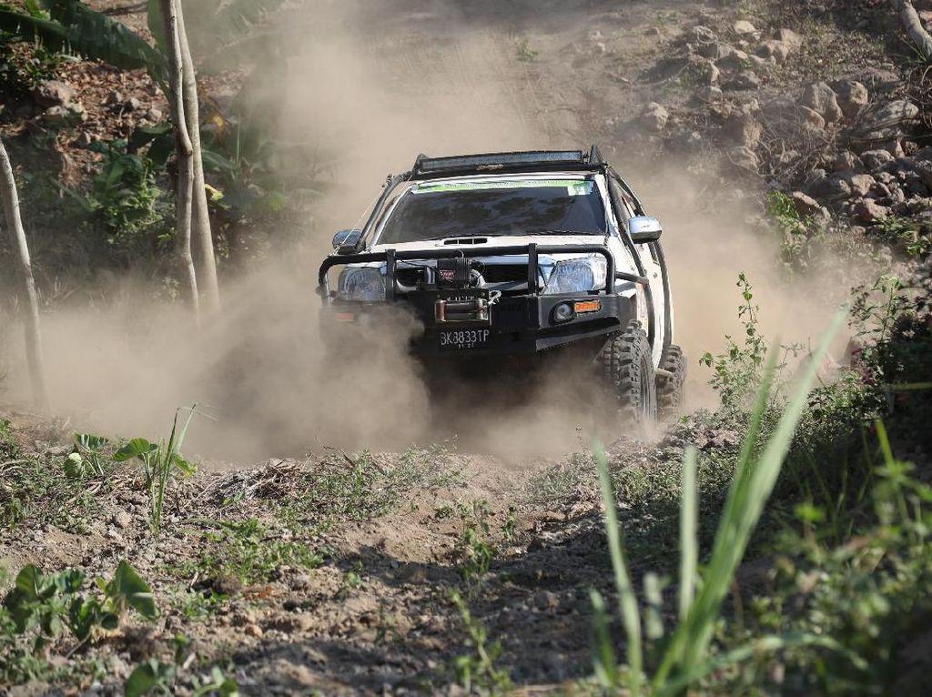 Serunya Off Road Pegawai Kejari se-Jatim di Gunung Kelud