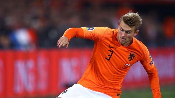 Performa buruk Matthijs de Ligt bersama Juventus berlanjut saat membela timnas Belanda (Foto: Dean Mouhtaropoulos/Getty Images,)