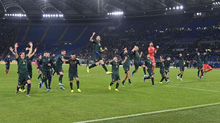 Timnas Italia kini telah melompat lebih tinggi. (Foto: Marco Rosi/Getty Images)