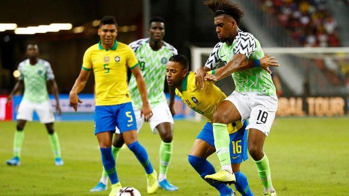 Brasil diimbangi Nigeria 1-1 dalam pertandingan persahabatan (Foto: Feline Lim/Reuters)