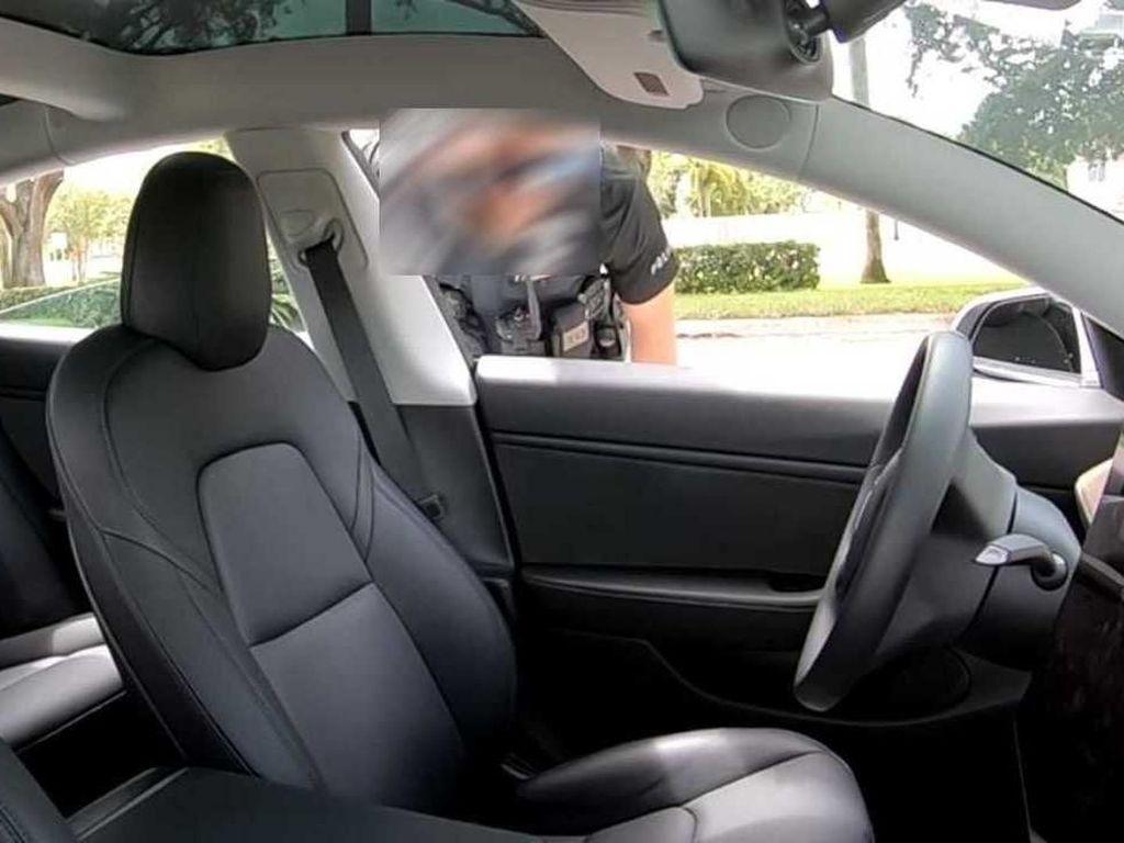 Polisi Kebingungan Tilang Mobil Otonom