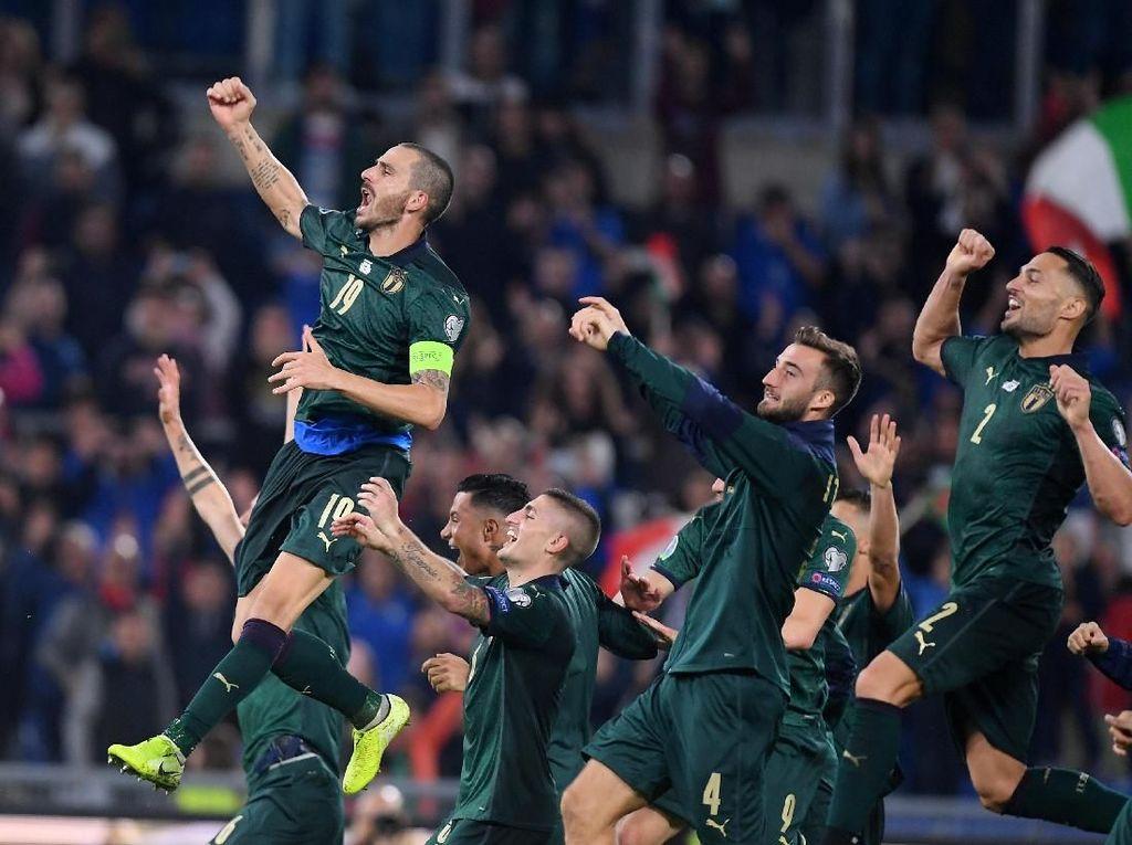 Italia Masih Sempurna di 7 Laga, Mancini Dekati Rekor Berusia 80 Tahun