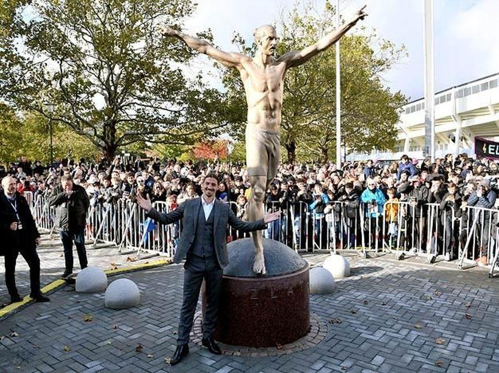 Dirusak Terus, Patung Ibrahimovic Akhirnya Dipindah