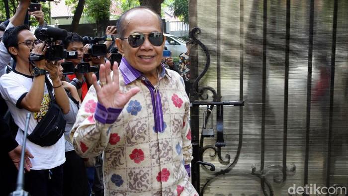 Wakil Ketua MPR RI Syarief Hasan mendatangi kediaman Sandiaga Uno di Jakarta, Senin (14/10/2019).