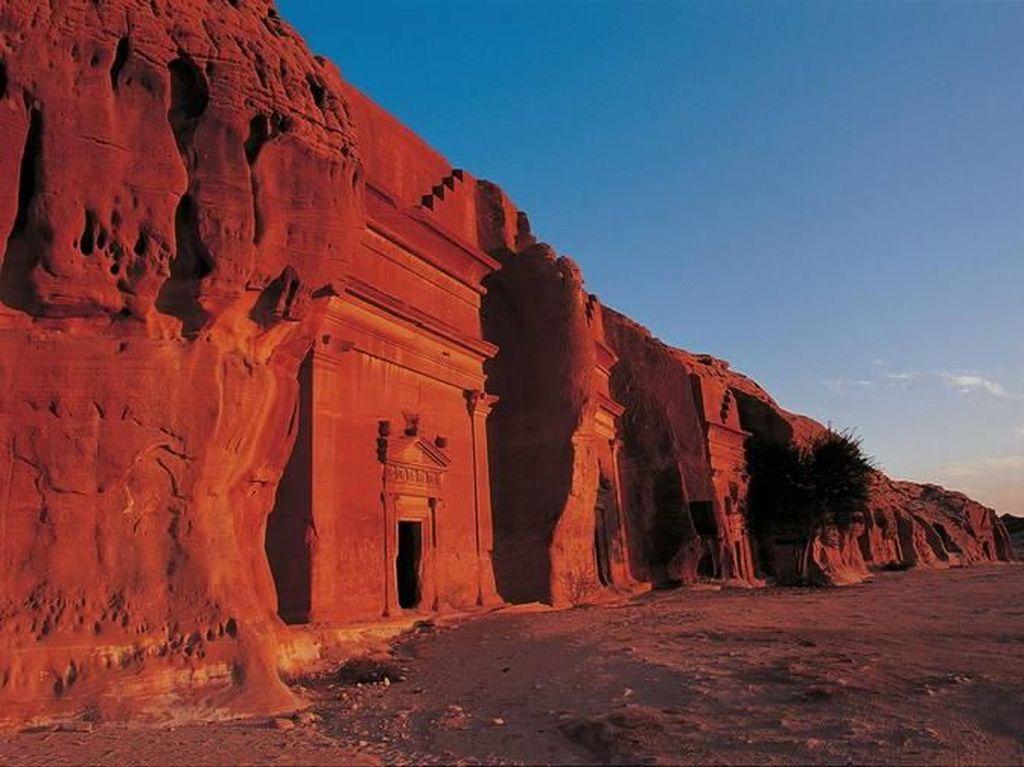 Arab Saudi Buka Gerbang Kota Hegra yang Diazab Allah Setelah 2000 Tahun
