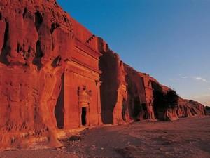 Arab Saudi Bangun Resor Gurun Pertama di Situs Warisan UNESCO