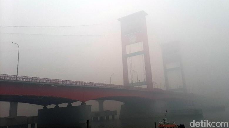 Asap Karhutla Palembang Menggila, Udara Sempat di Level Bahaya