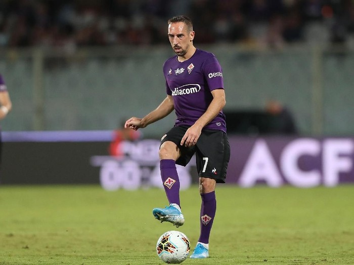 FLORENCE, ITALY - SEPTEMBER 25: Frank Ribery of ACF Fiorentina in action during the Serie A match between ACF Fiorentina and UC Sampdoria at Stadio Artemio Franchi on September 25, 2019 in Florence, Italy.  (Photo by Gabriele Maltinti/Getty Images)