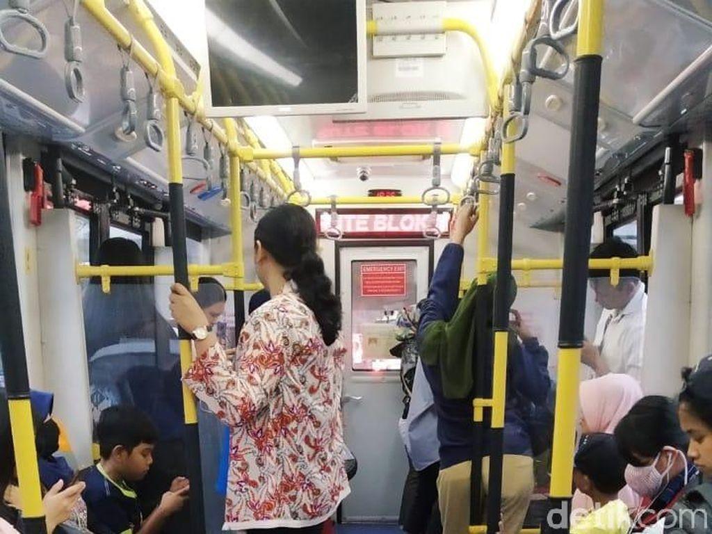Menjajal Lagi Bus Zhongtong TransJakarta yang Kembali Mengaspal