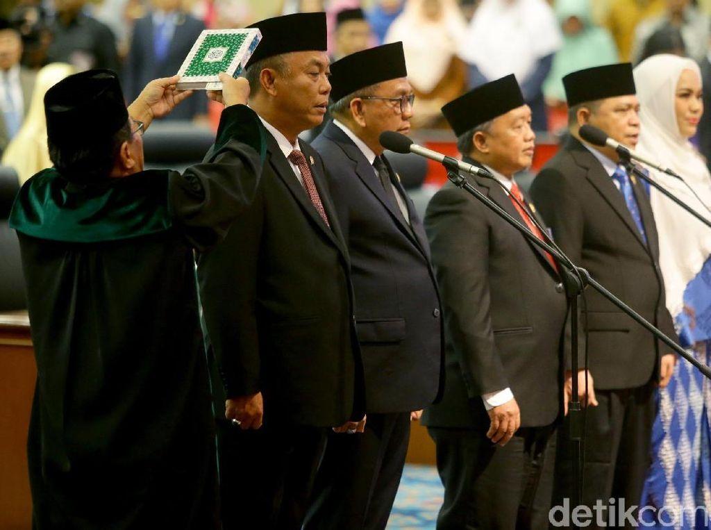 Momen Pelantikan Pimpinan DPRD DKI Jakarta