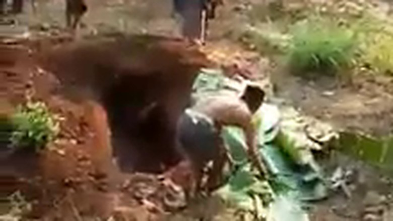 Viral Cerita Anak di Probolinggo Bongkar Makam Ibunya