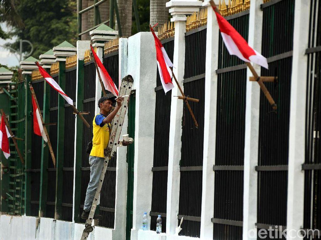 Jelang Pelantikan Presiden, Gedung DPR Bersolek