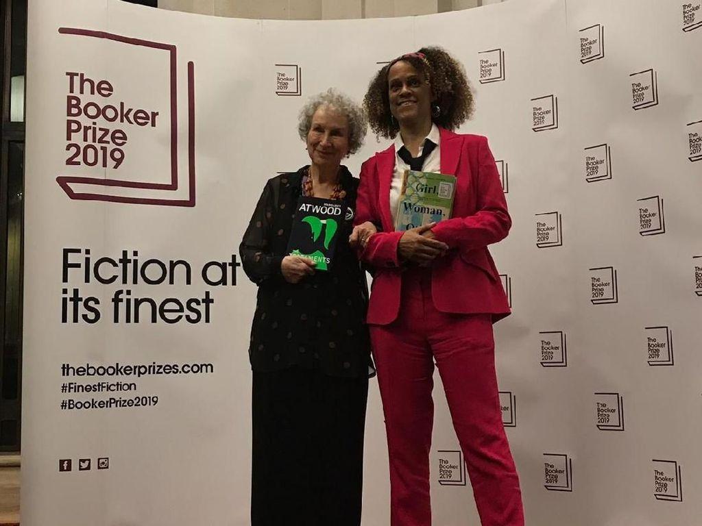 Margaret Atwood dan Bernardine Evaristo Raih Man Booker Prize 2019