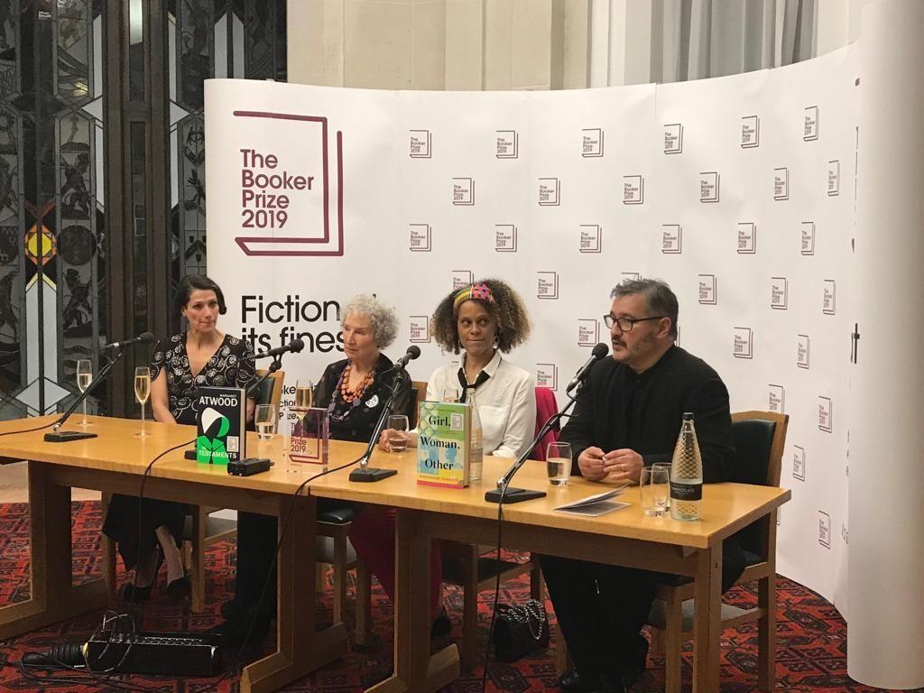 Bernardine Jadi Perempuan Kulit Hitam Pertama Pemenang Man Booker Prize