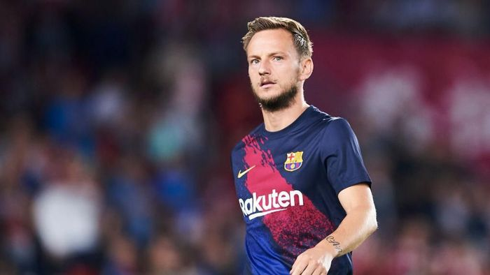 GRANADA, SPAIN - SEPTEMBER 21: Ivan Rakitic of FC Barcelona looks on during the warm up prior to the Liga match between Granada CF and FC Barcelona at Estadio Nuevo Los Carmenes on September 21, 2019 in Granada, Spain. (Photo by Aitor Alcalde/Getty Images)