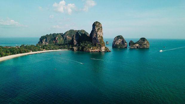 Aerial high angle view of the sandy coastline near Railay beach, in the Krabi province, Thailand.
