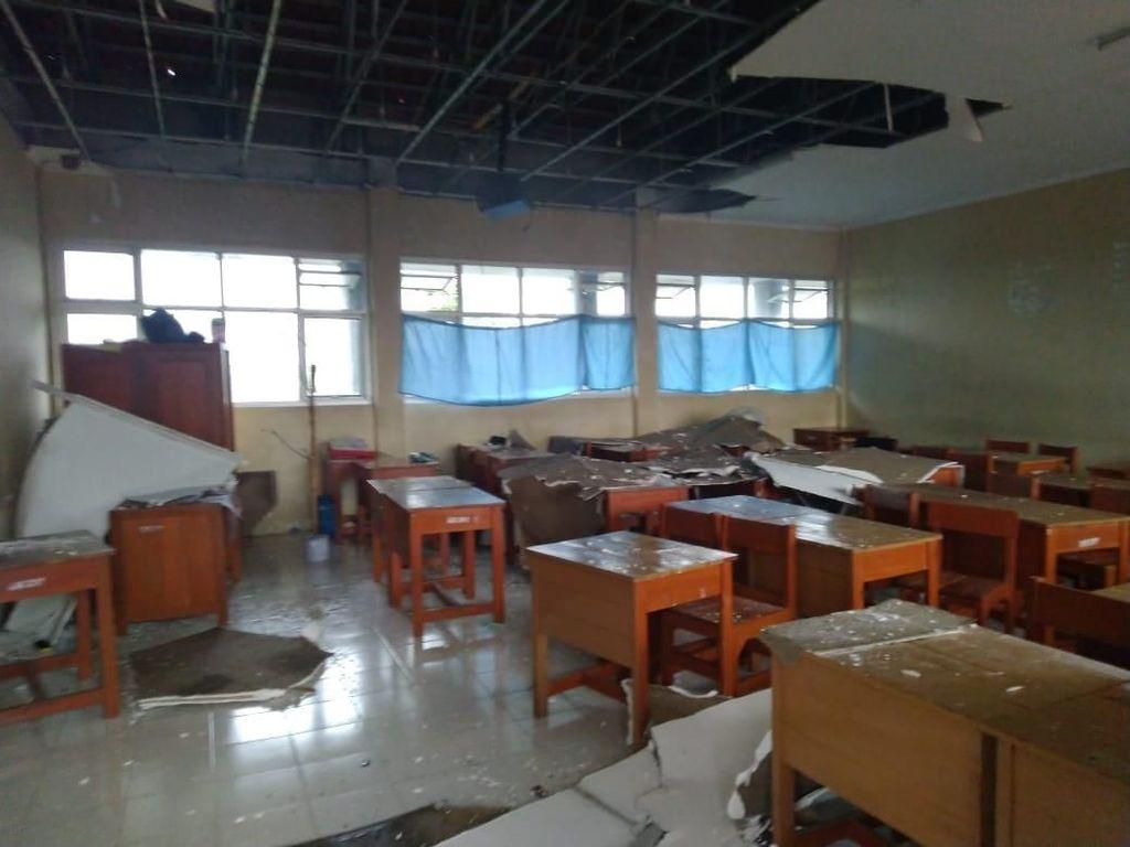 Puting Beliung Landa Bogor, Atap Sekolah Hingga Rumah Rusak