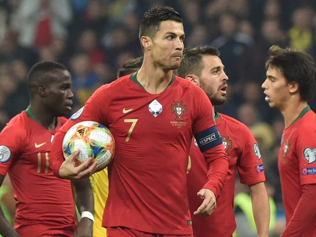 Punya Waktu 20 Menit? Tonton Koleksi 700 Gol Ronaldo Ini