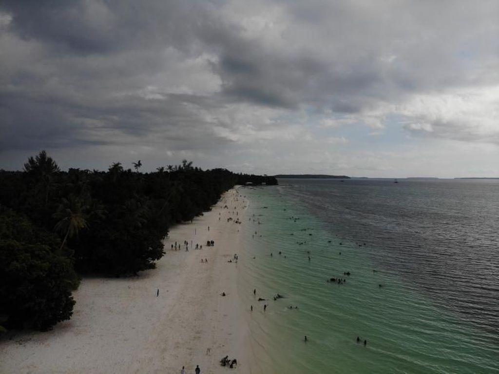 Foto Drone: Pantai Cantik Jelita di Kepulauan Kei