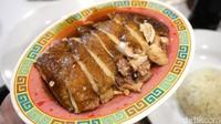 Mantul! Cicip Hainan Chicken Rice yang Enak di Restoran Kekinian