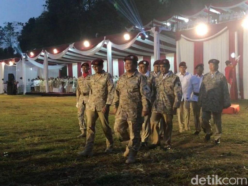 Berbaju Loreng, Prabowo Tutup Rapimnas Gerindra