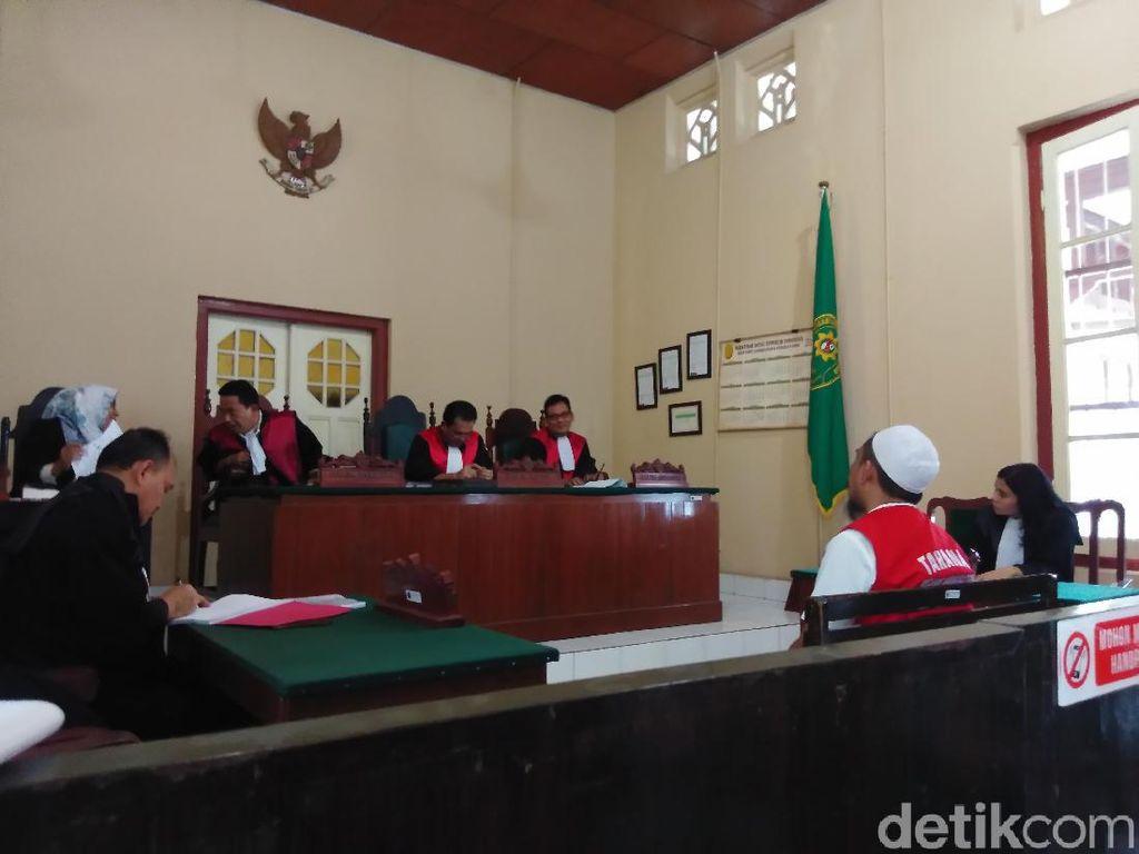 Hakim Jatuhkan Denda Rp 1 Miliar ke Abu Tours
