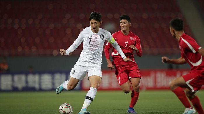 Duel Korea Utara dan Korea Selatan di Pyongyang berakhir tanpa gol (Korea Football Association via Getty Images)