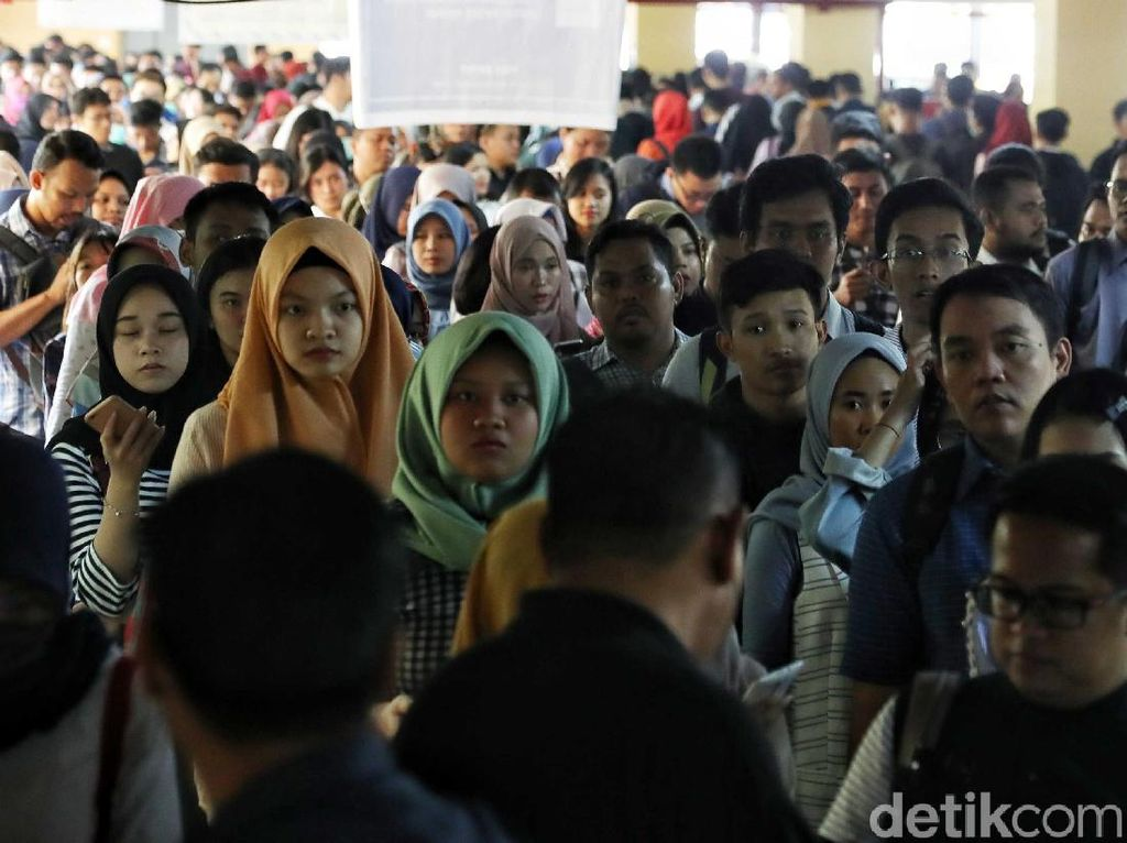 Pengangguran Bertambah, Paling Banyak Lulusan SMK