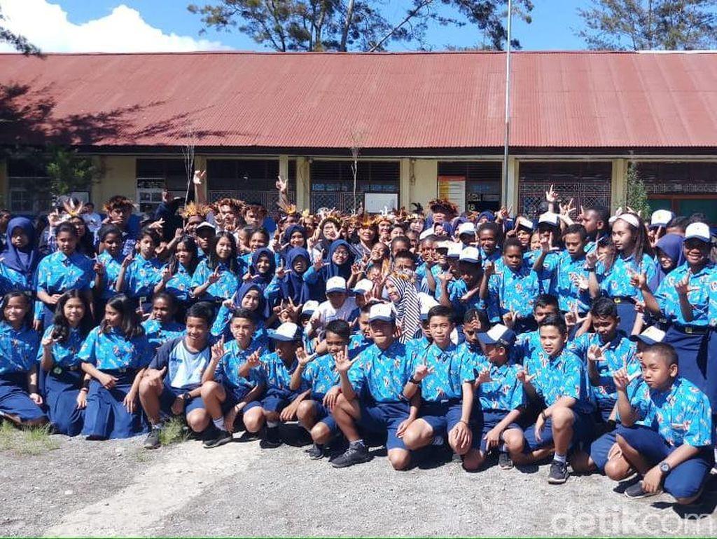 Mendikbud Tinjau Sekolah di Wamena yang Rusak karena Kerusuhan