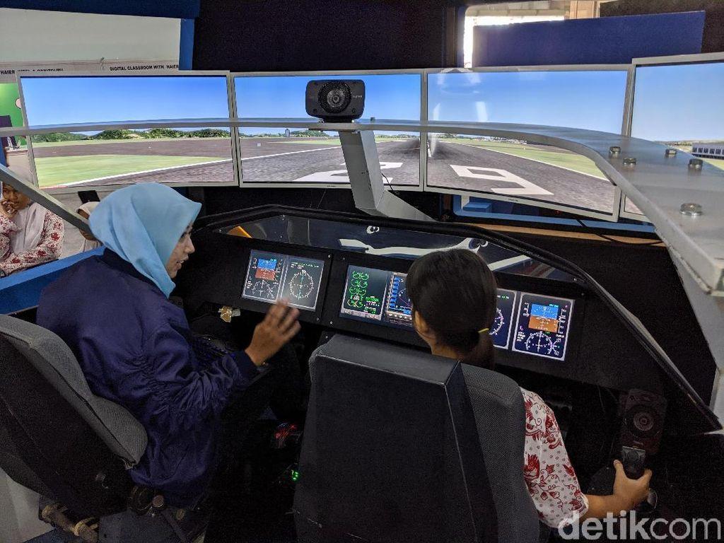 Di Habibie Festival, Orang-orang Bisa Jajal Pesawat R80