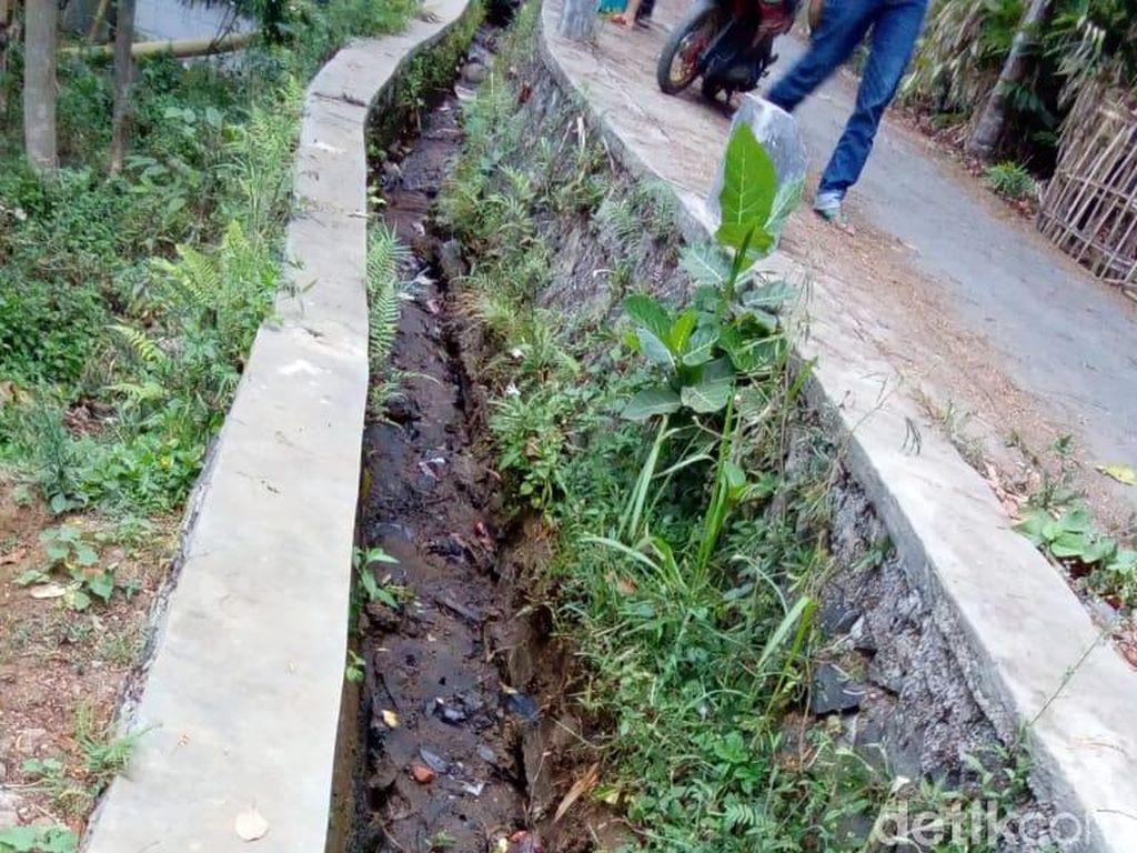 Hujan Deras, Pergerakan Tanah Terjadi di Salawu Tasikmalaya