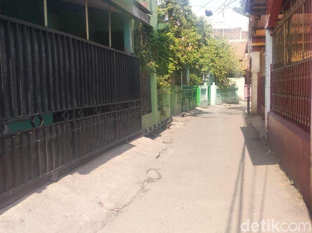 Densus 88 Juga Geledah Rumah Tukang Ojek Online di Kiaracondong