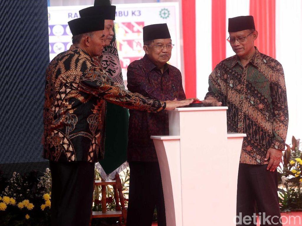 JK Hadiri Peletakan Batu Pertama Masjid di PP Muhammadiyah