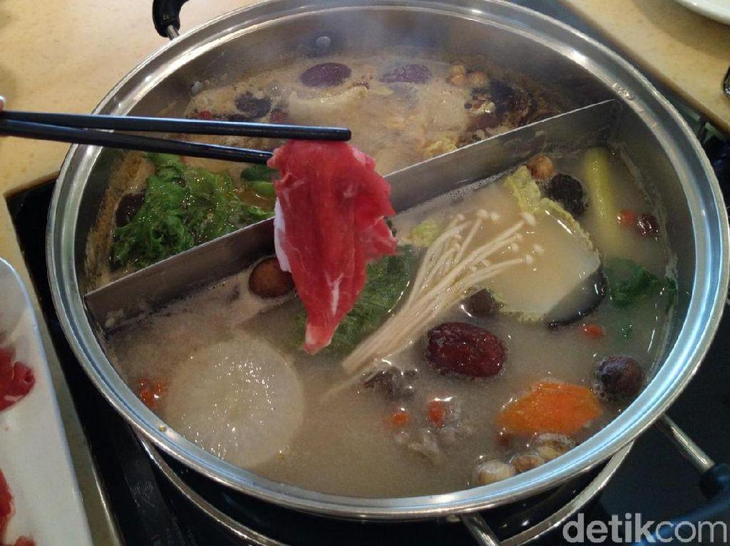 Hot Pot China Autentik Bisa Dicoba di 5 Tempat Ini