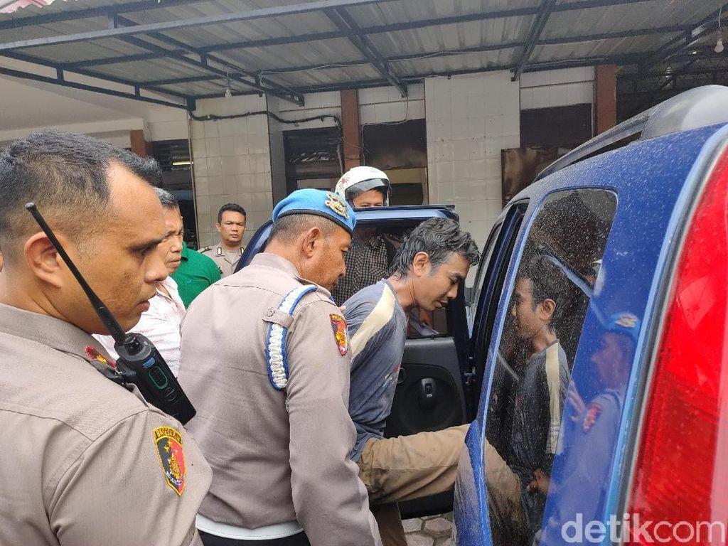 Pukul Prajurit TNI Pakai Besi, Pedagang Kaus Kaki di Medan Ditangkap