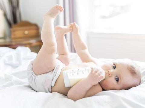 Banyak yang Salah, Simak Cara Tepat Bersihkan Botol Susu Bayi