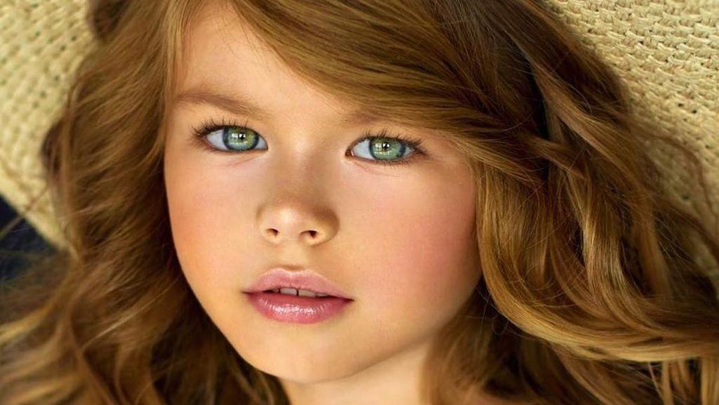 Foto: Pesona Gadis Paling Cantik di Dunia yang Bikin Netizen Gemas